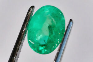 Emerald-natural-stone-0-91-carat-oval-7-x-5-mm-NB-More-Gems-Available