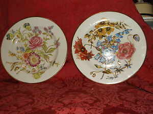 Image is loading 2-VINTAGE-MARK-ROBERTS-HAND-PAINTED-DECORATIVE-COLLECTORS- & 2 VINTAGE MARK ROBERTS HAND PAINTED DECORATIVE COLLECTORS PLATES ...