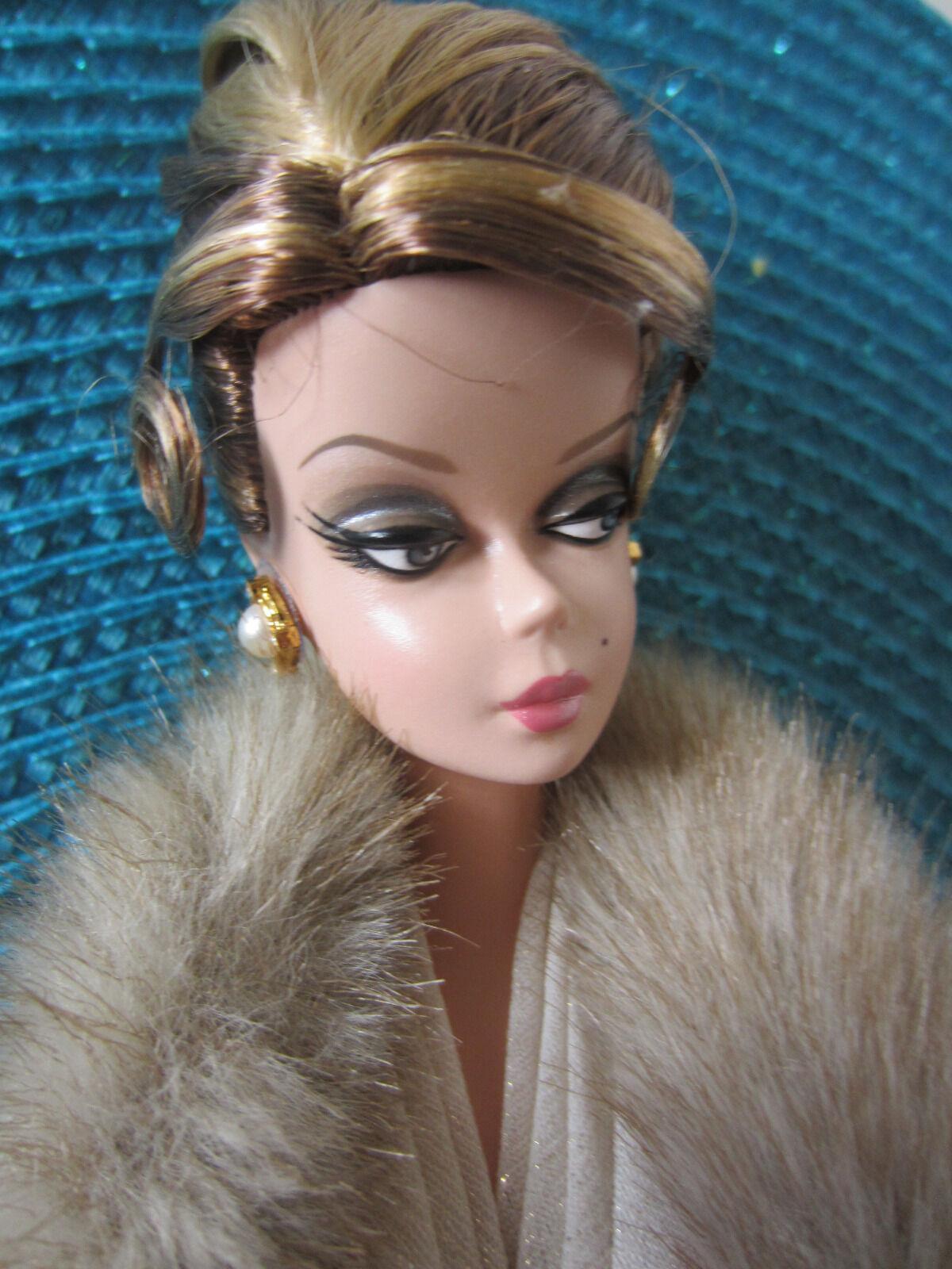 La entrevista muñeca Barbie Silkstone oro Label Colección De Modelo De Moda