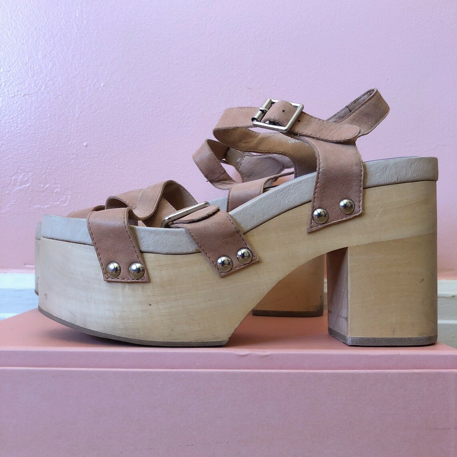 Jeffrey Campbell Nude Leather Wooden Platform MSRP  175
