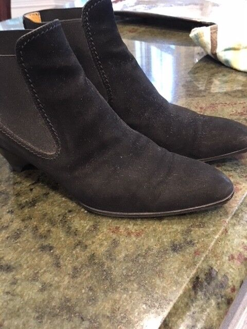 $450 Genuine & Iconic Tod's Suede Booties, black 37.5 M. All leather inside