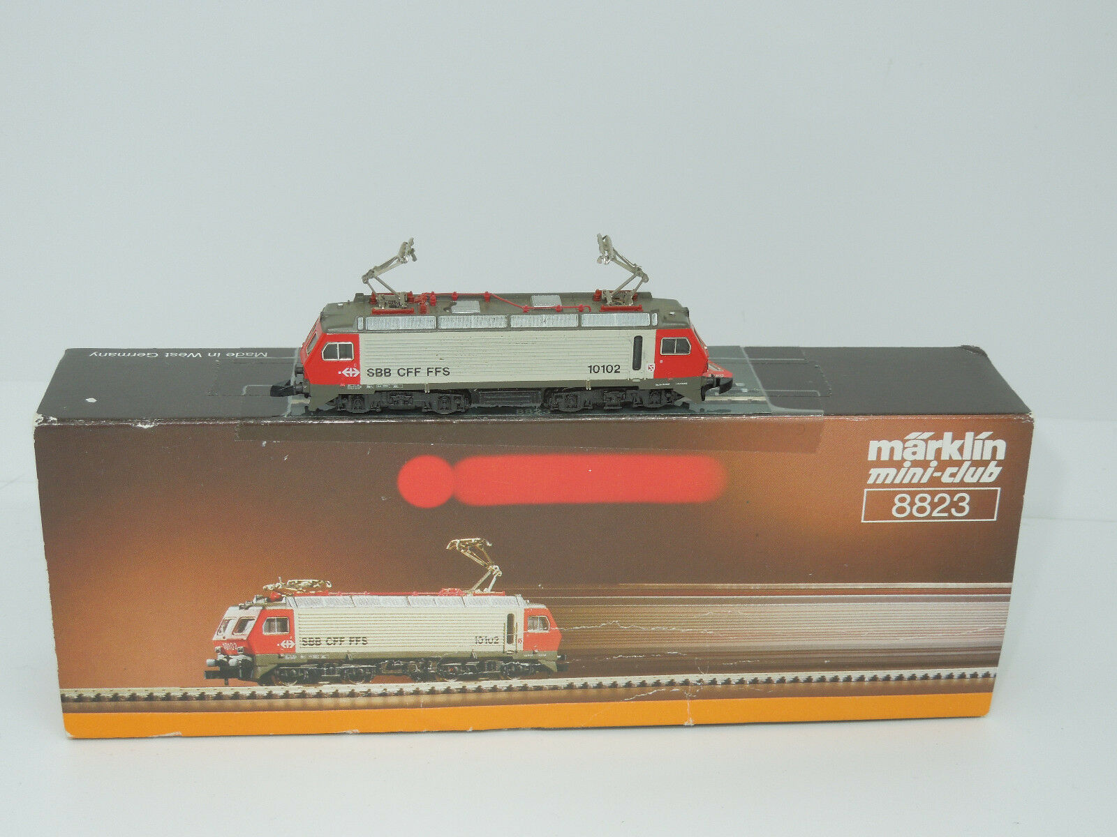 Märklin mini-club 8823 E-Lok re 4 4 delle SBB con pneumatici detenzione