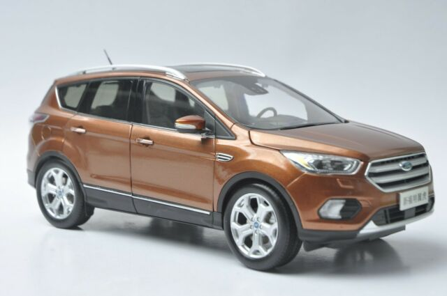 Ford Kuga 2017 SUV model in scale 1:18 brown