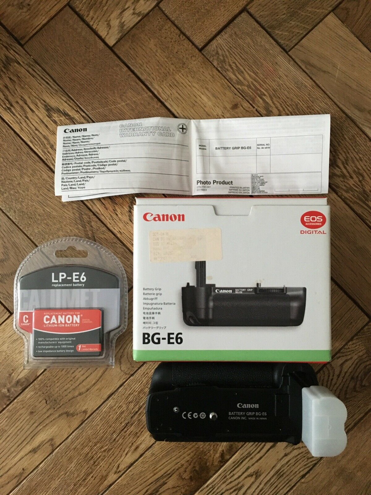 Canon BG-E6 Battery Grip with LP-E6 replacement battery