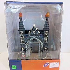 Lemax-CEMETERY-GATE-Spooky-Town-Halloween-Battery-Operated-Table-Accent-2016