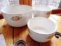 Hall's Rose White Nesting Mixing Stacking Bowls 3pc set VGC