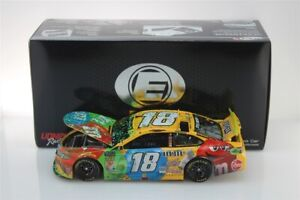 KYLE-BUSCH-18-2019-M-amp-M-HOMESTEAD-RACED-WIN-ELITE-1-24-SCALE-NEW-FREE-SHIPPING