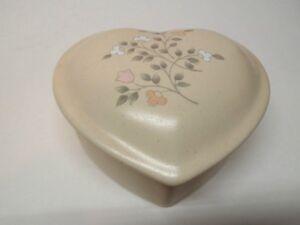 Pfaltzgraff Remembrance pattern Heart Shaped Trinket Box | eBay