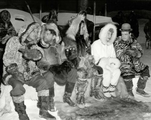 "8X10 PUBLICITY PHOTO CC-144 BUD ABBOTT AND LOU COSTELLO IN /""LOST IN ALASKA/"""