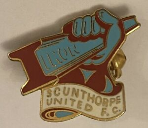 SCUNTHORPE UNITED Nice Collectable Mint Condition FOOTBALL CLUB PIN BADGE