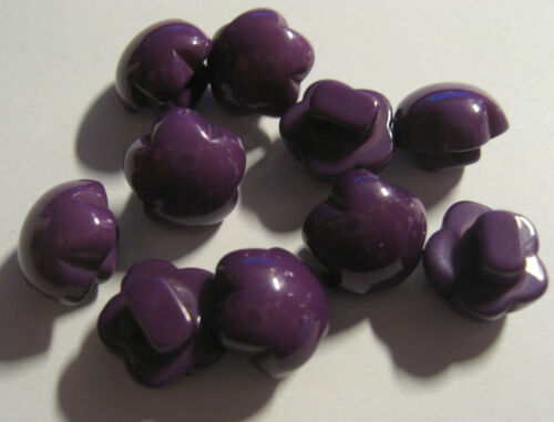 B151 10 x Purple Domed Flower Resin Shank Back Buttons approx 10mm Wide