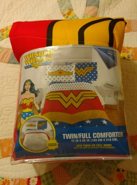DC Comics Wonder Woman Twin/Full Comforter 72 Inches x 86 Inches Reversible New!