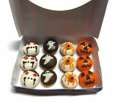 Dollhouse Miniatures 12 Halloween Donuts Doughnut in a Box Food Party Holiday A2