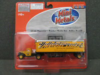 Ho '41/46 Chevy Yellow Transit Tractor / Trailer - Classic Metal Works 31159