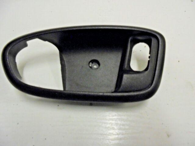 FORD MONDEO MK4 LEFT PASSENGER SIDE INTERIOR DOOR HANDLE NEARSIDE