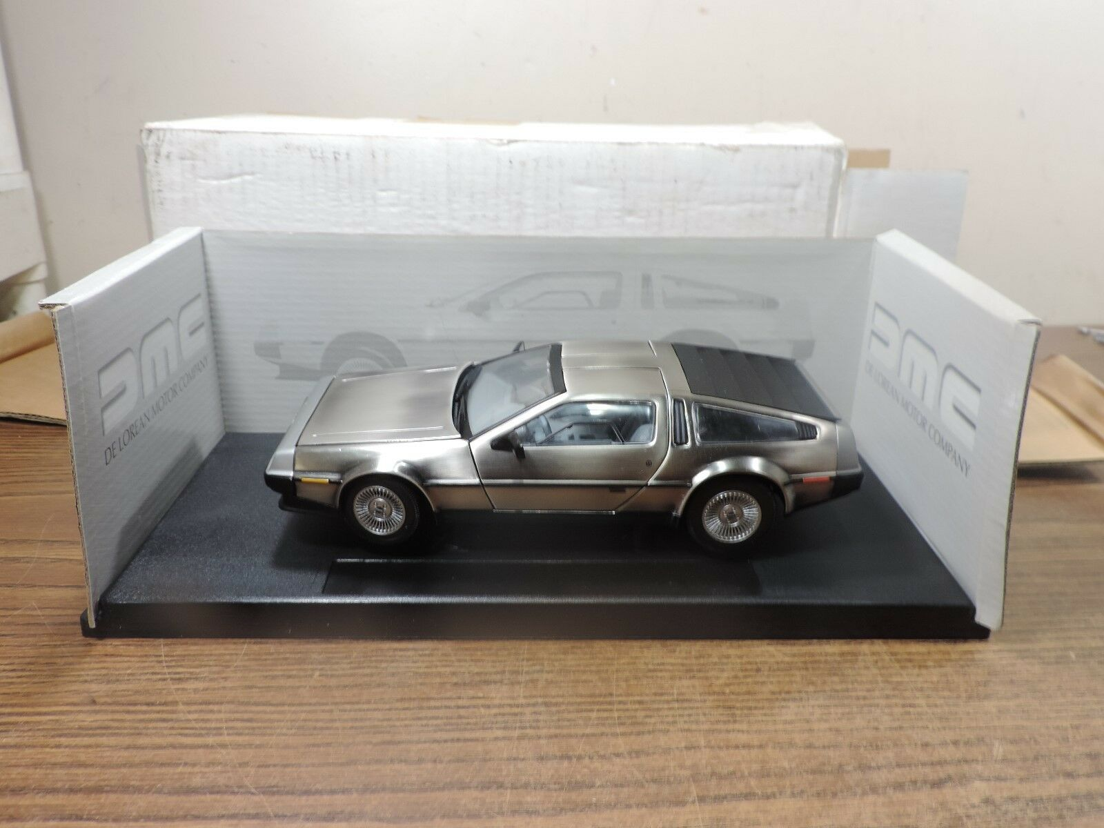 Fairfield - 1981 delorean lk coupé posten 2720