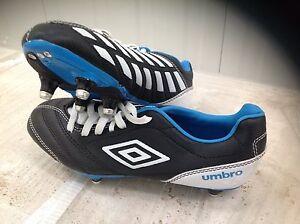 umbro kids football boots