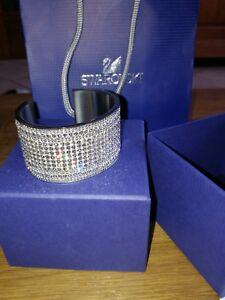 manchette swarovski neuve bracelet valeur 299€