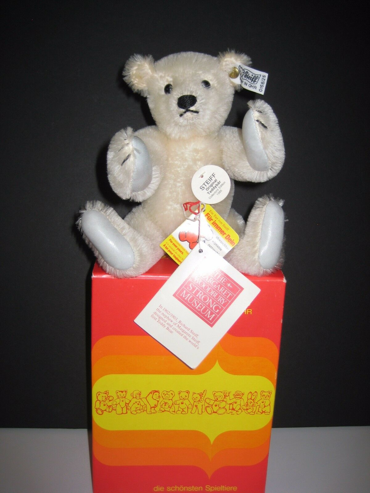 STEIFF COLLECTORS BEAR EDITION 0158/25, 9  TALL, WEST GERMANY