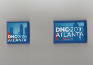 House-of-Cards-Screen-Used-2016-Dnc-Prop-Season-4-amp-5-Dnc-Button-Set-of-2