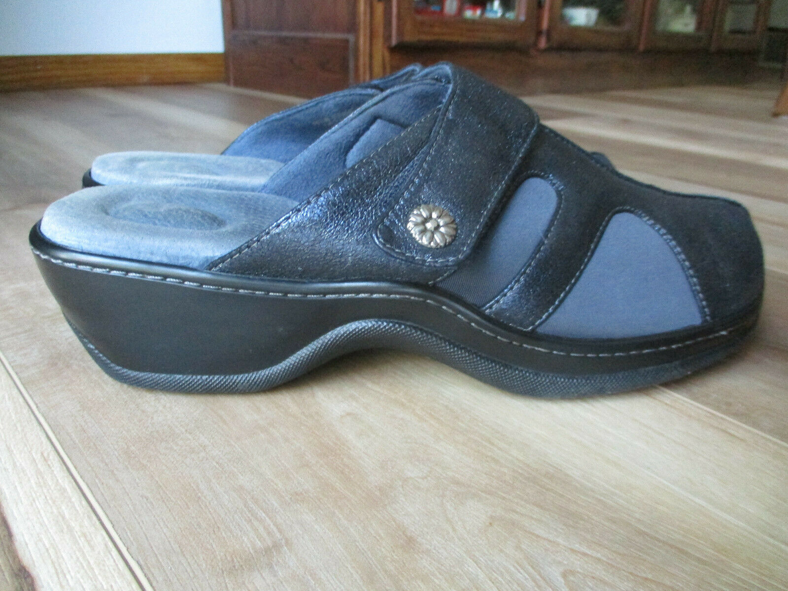 Softwalk Navy Blue Metallic Leather Comfort Clogs Shoes Womens Size 10 1/2 W
