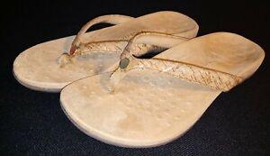 Vionic Mona Tan Beige-Cork Design w Gold Thong  Sandals Women's Size 10 Wide