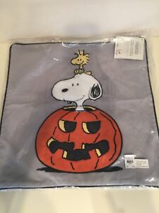 Pottery-barn-kids-teen-peanuts-snoopy-pumpkin-halloween-pillow-cover-Woodstock