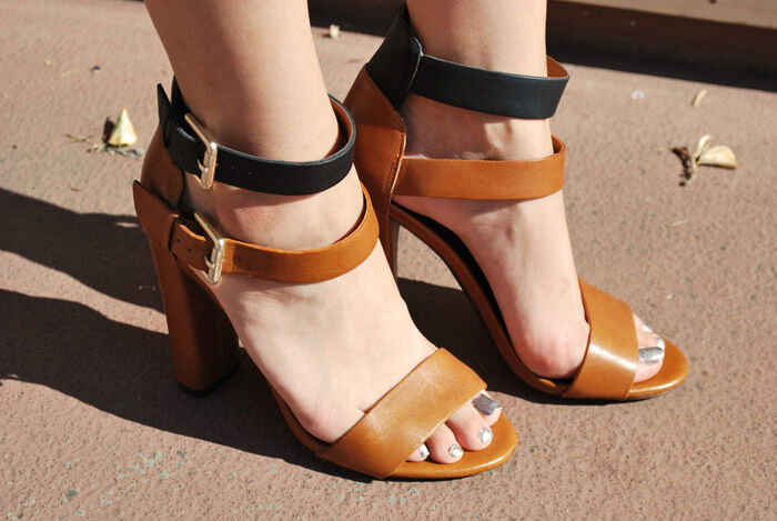 RAREZara Leather Tan Beige Black two tone High Heels 6  Buckle SIZE:EU36,US 6 Heels 6ab877