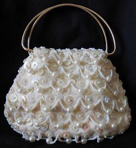 VINTAGE-SEQUIN-BEADED-FAUX-PEARL-CLUTCH-PURSE-HAND-MADE-IN-HONG-KONG