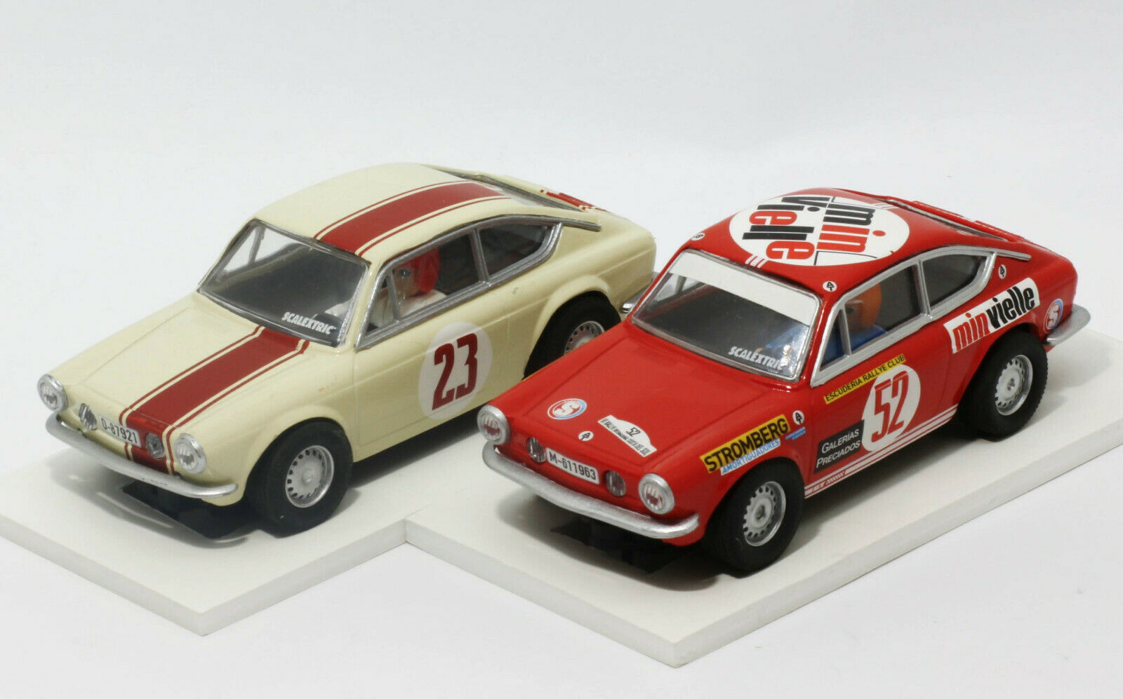 2 x Seat 850 Coupe Altaya (Scalextric)