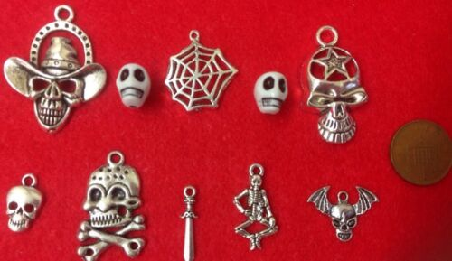 10 x Antique Silver Halloween Skeleton Spider Gothic Charms Beads /& Pendants B4