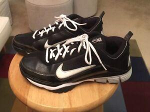 Nike Air Black/White & Grey Trim Mens US9.5 Sneakers Athletic Shoes