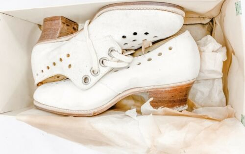 1930s Womens Sz 3  VTG Shoes White Oxfords Perfora