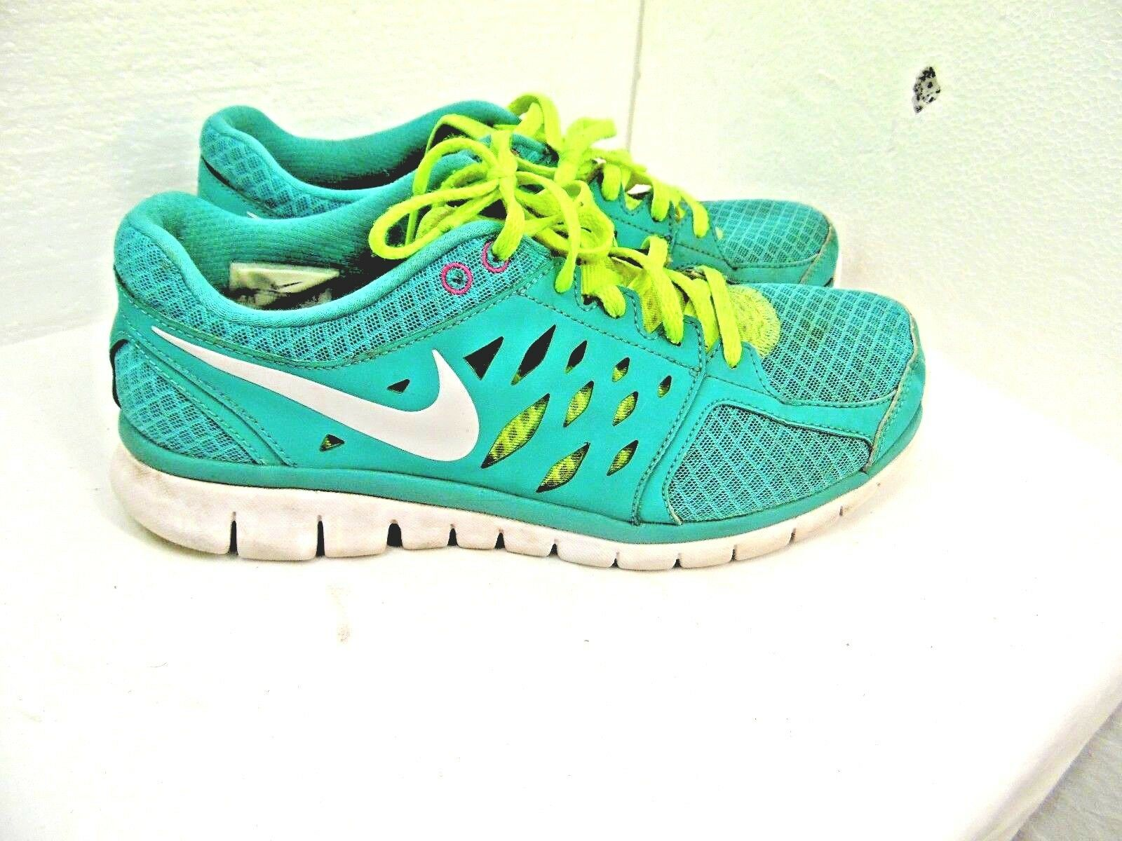 WOMENS ATHLETIC SHOES NIKE BRAND TURQUOISE COLOR SIZE 9 1/2 FLEX RUN   R11 The most popular shoes for men and women
