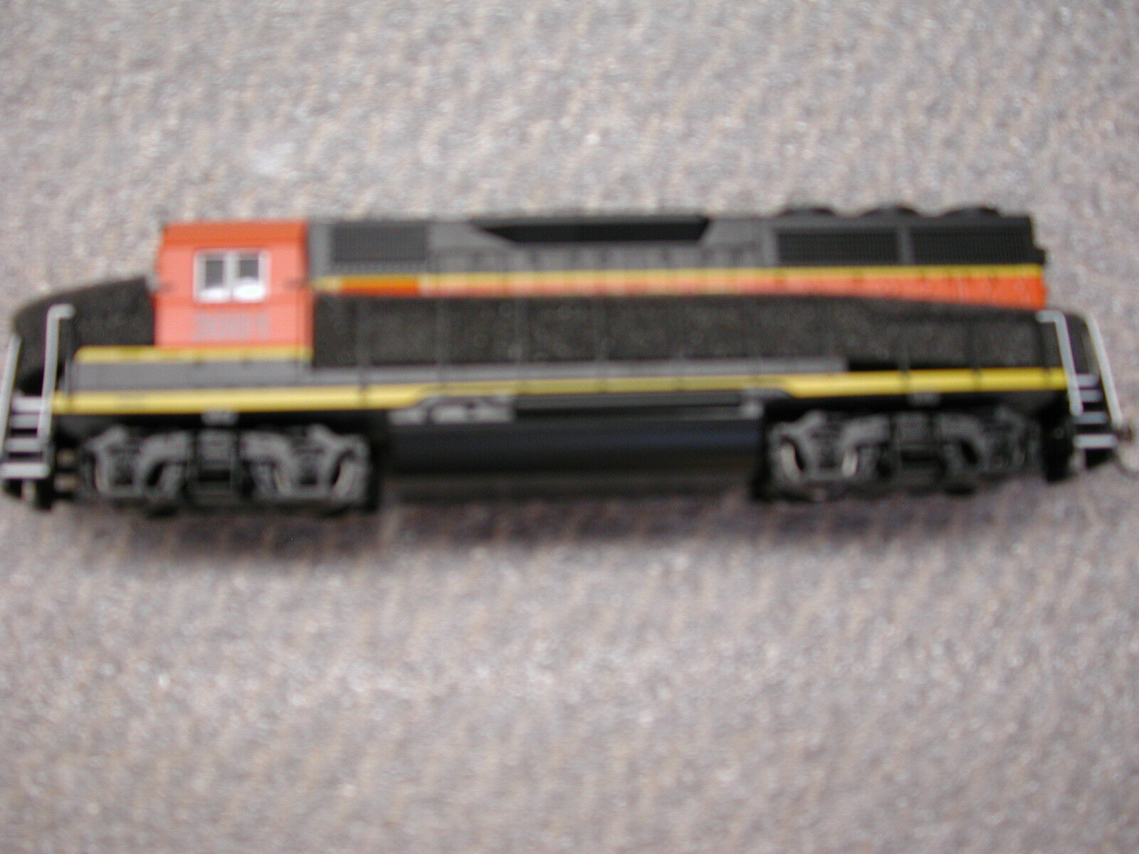 Bachmann Burlington Northern DCC  HO  GP40 con decodificador Lenz Totalmente Nuevo En Caja