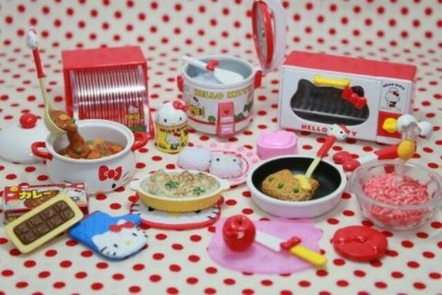 Re-ment Sanrio Dollhouse Hello Kitty Miniature Cooking food kitchen Set Of 8