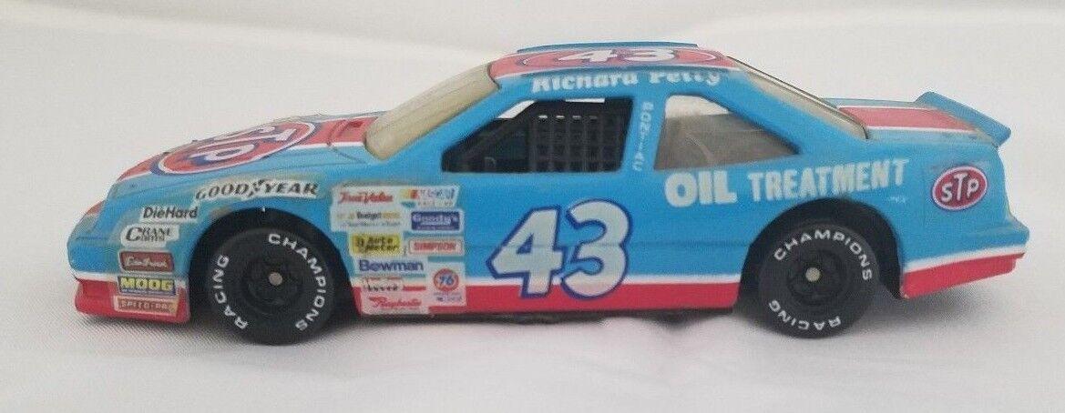Richard Petty 1992 Racing Champions STP Car     NEXT DAY SHIP AFTER PAYMENT
