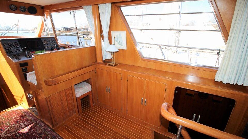 Royal Yacht 48, Motorbåd, årg. 1990