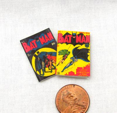Umoristico 2 Miniatura Fumetto Batman Libri Casa Delle Bambole Readable 1:12 Scala * 2 Per Asciugare Senza Stirare