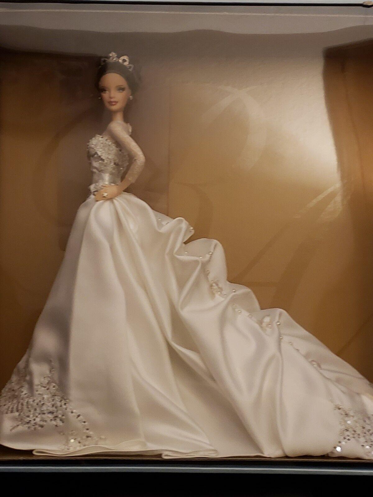 Reem Acra novia 2007 Muñeca Barbie Etiqueta Dorada. no hay daños en Caja. nunca se abrió.