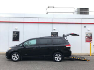 2014 Toyota Sienna LE-MOBILITY WHEELCHAIR VAN-BACKUP CAMERA-CERTIFIED