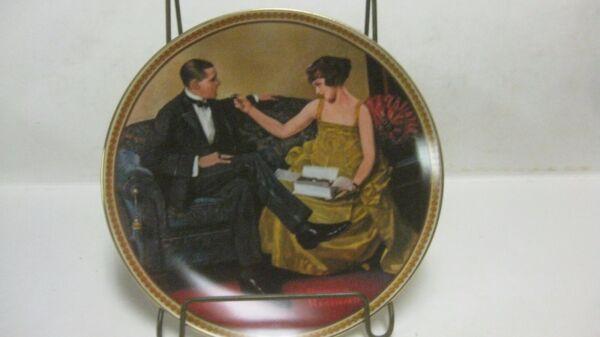 """"""" Flirting Nel Parlor """" A Norman Rockwell Donna Le #9480 Da Collezione Piastra"""