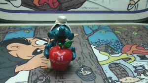 1983-SMURF-20160-Schtroumpf-WITH-RED-APPLE-1-TEACHER