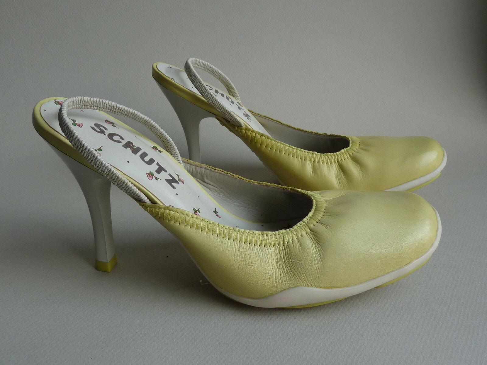 Schutz Slingbacks, NIB, Retail 99.00, sizes 6,8,9,10