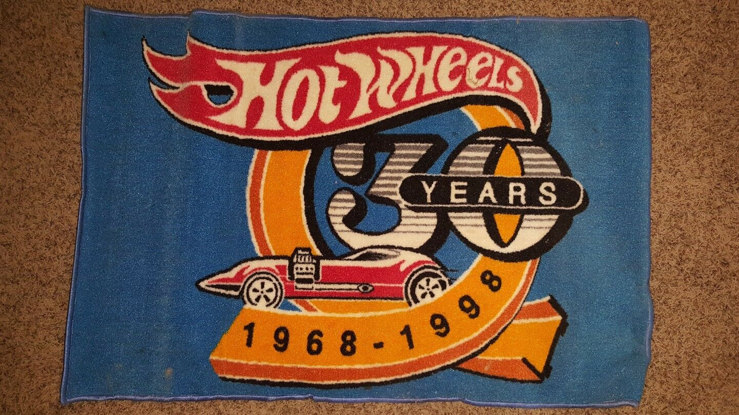 HOT WHEELS 30th ANNIVERSARY RUG ULTRA RARE. 47 X30