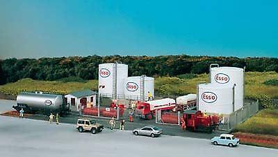Nuevos productos de artículos novedosos. Piko HO Scale 1 87 Esso Tank Farm complejo complejo complejo Kit de Construcción   BN   61141  tienda en linea