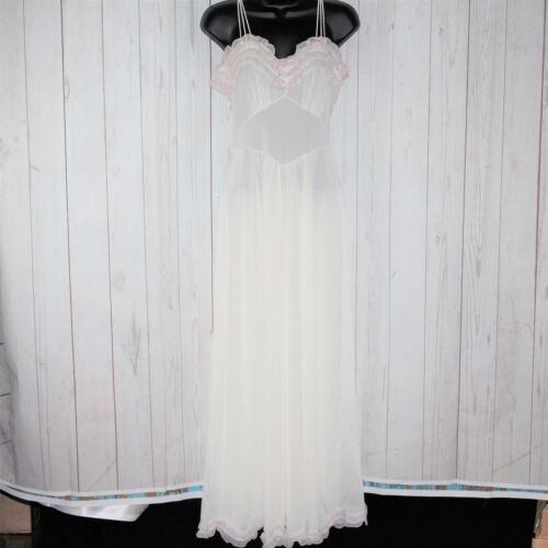 VTG 60s 70s Vanity Fair Sz 12 White Ruffled Weddin