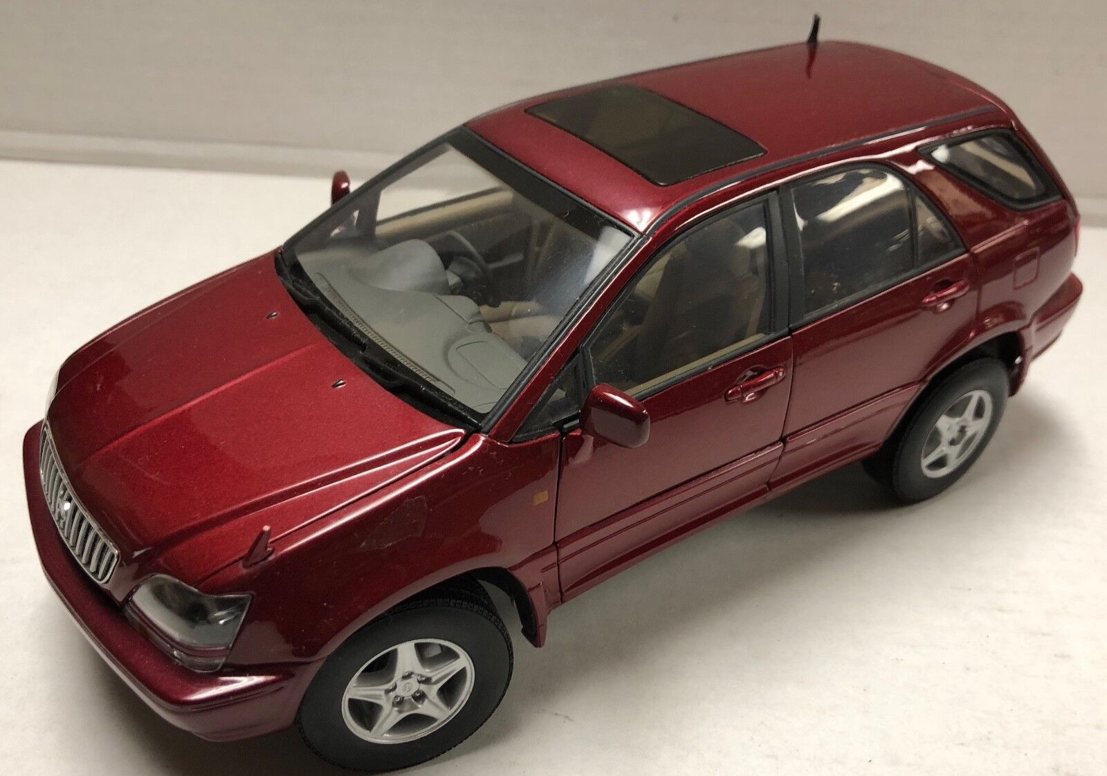 AUTOart Toyota Harrier or Lexus RX3001 18 Die Cast