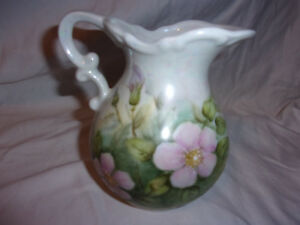Vintage-Eleanor-Pickard-Porcelain-Miniature-Pitcher-6-034-Pink-Flowers-Meadow-1985
