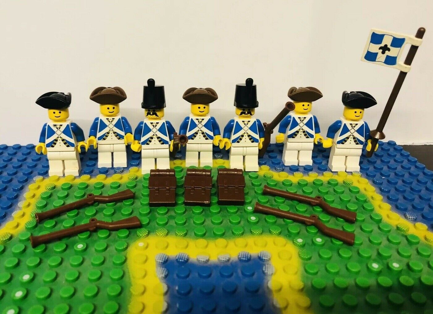 Lego Blau Coat Imperial Soldiers Army Mini Figures Jahr Pirates Masse X 7 Flag